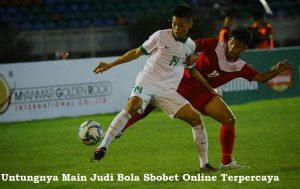 Untungnya Main Judi Bola Sbobet Online Terpercaya
